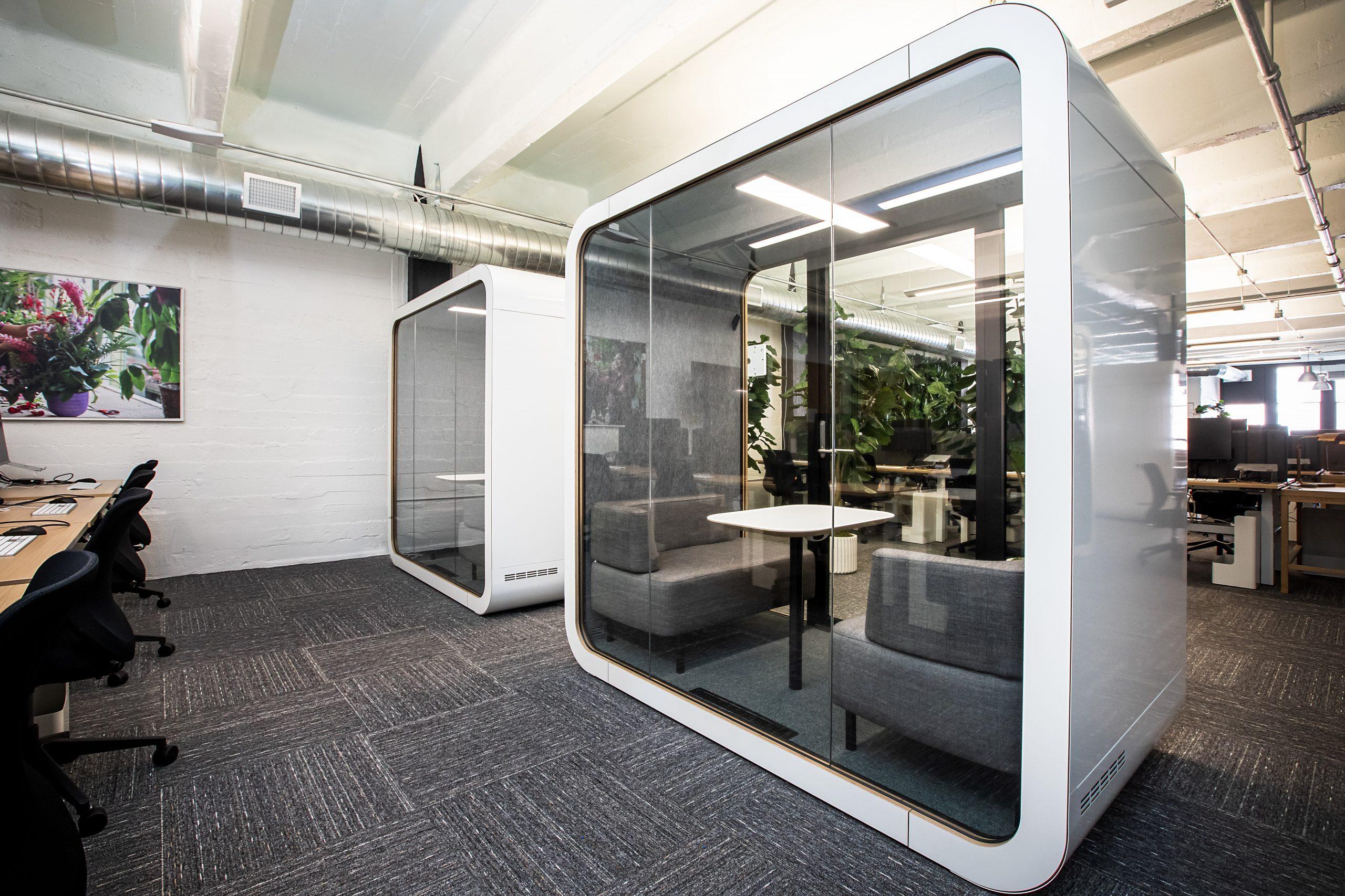 uneebo-office-design-yNtCxu4kJXk-unsplash